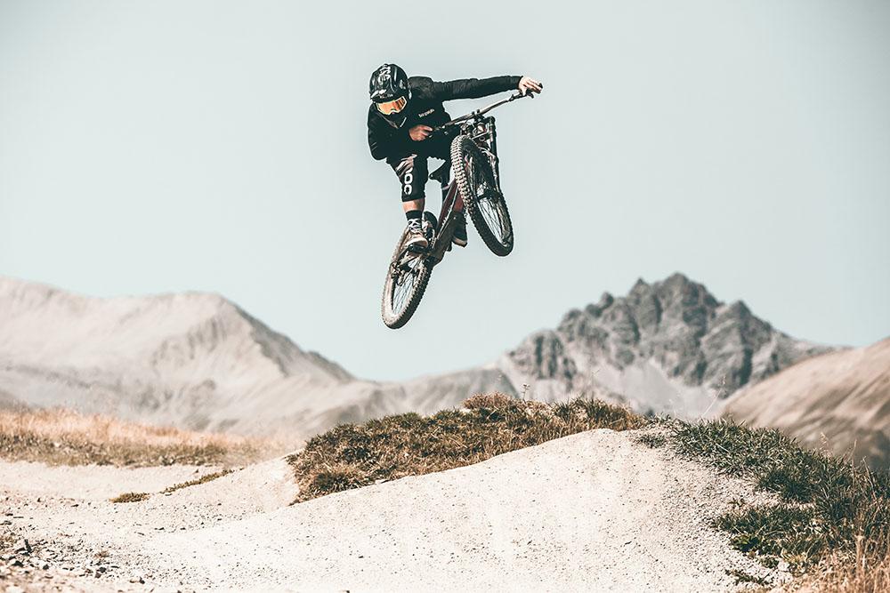 Salti, curvoni e discese mozzafiato sul Mottolino per riders