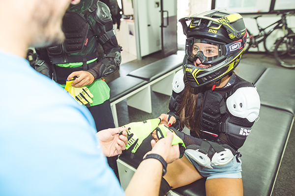 Abbigliamento e protezioni per la massima sicurezza sul MOttolino Bikepark