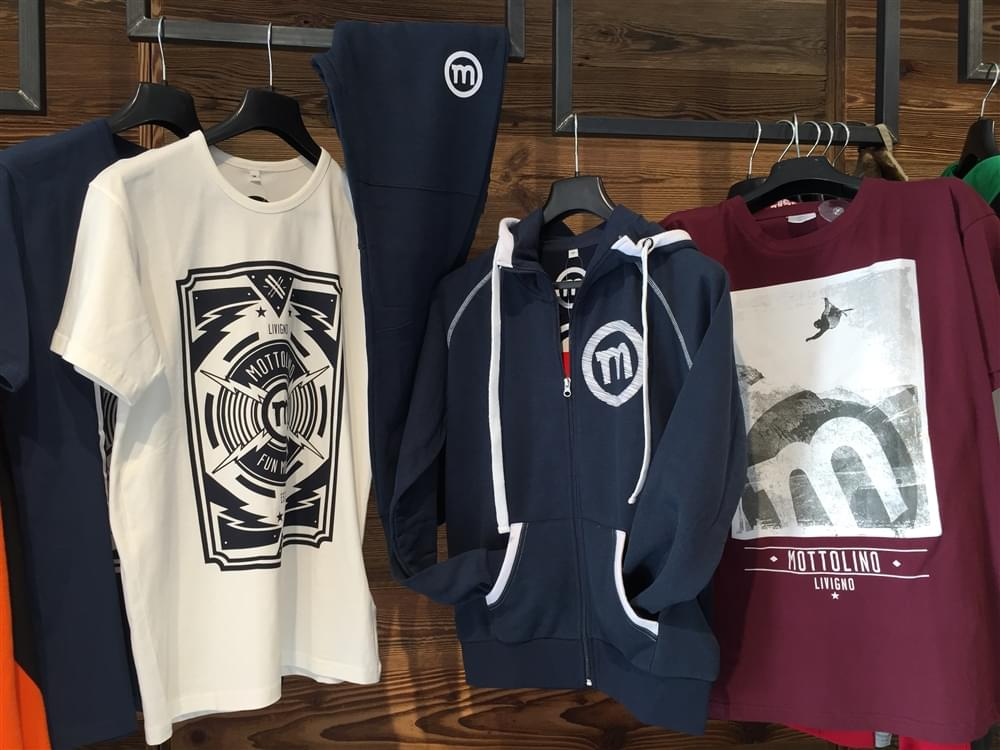 Mottolino clothing