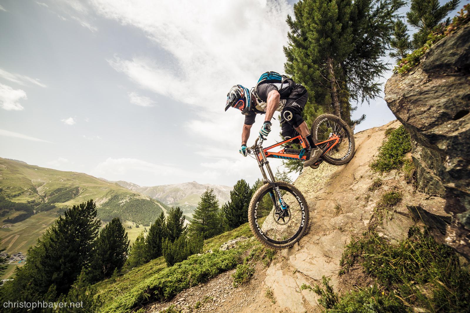 Riders durante downhill Bikepark Mottolino