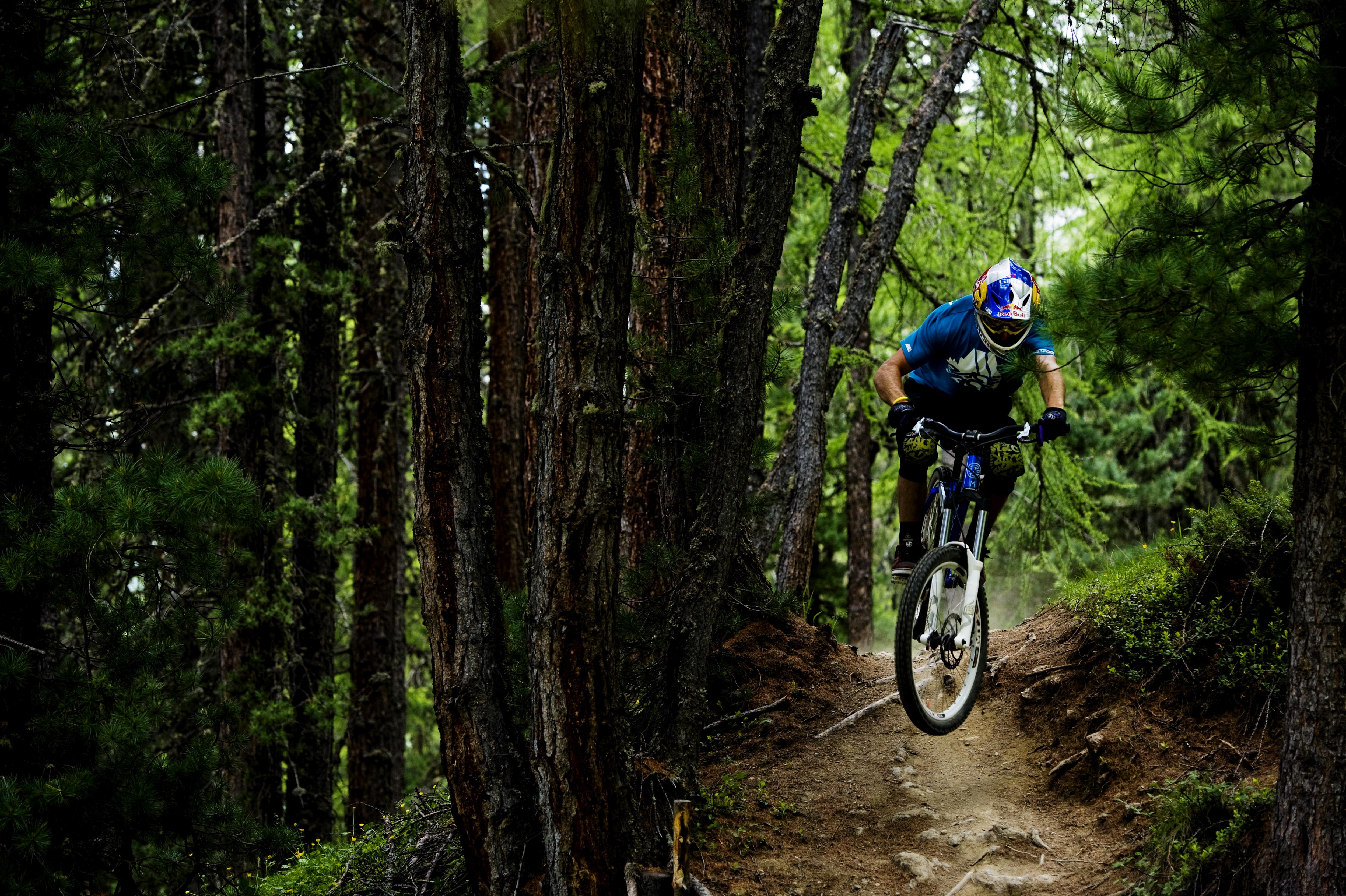 Bikepark Mottolino, riders in azione