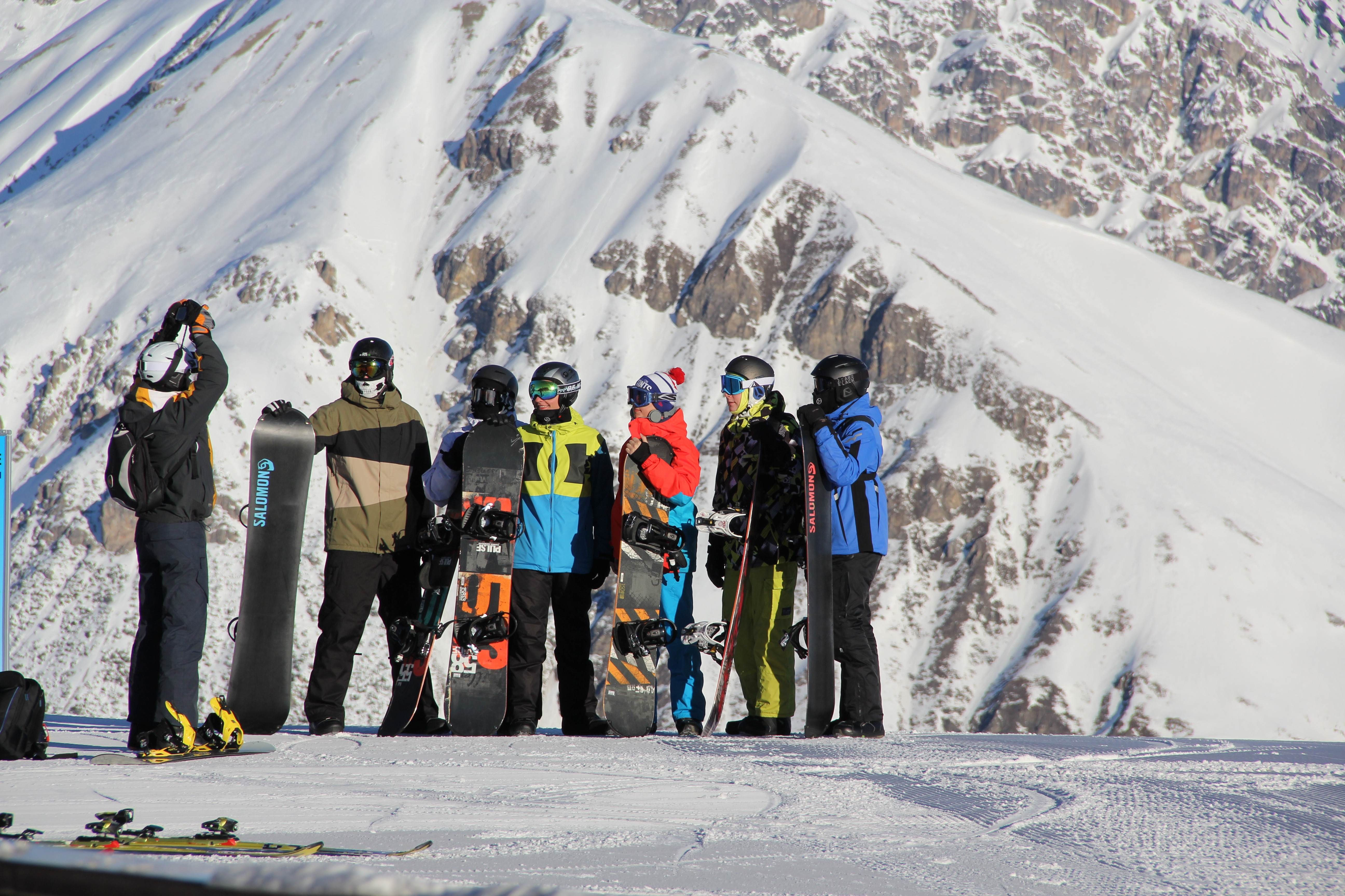 famiglia di sciatori sul Mottolino sulle Alpi