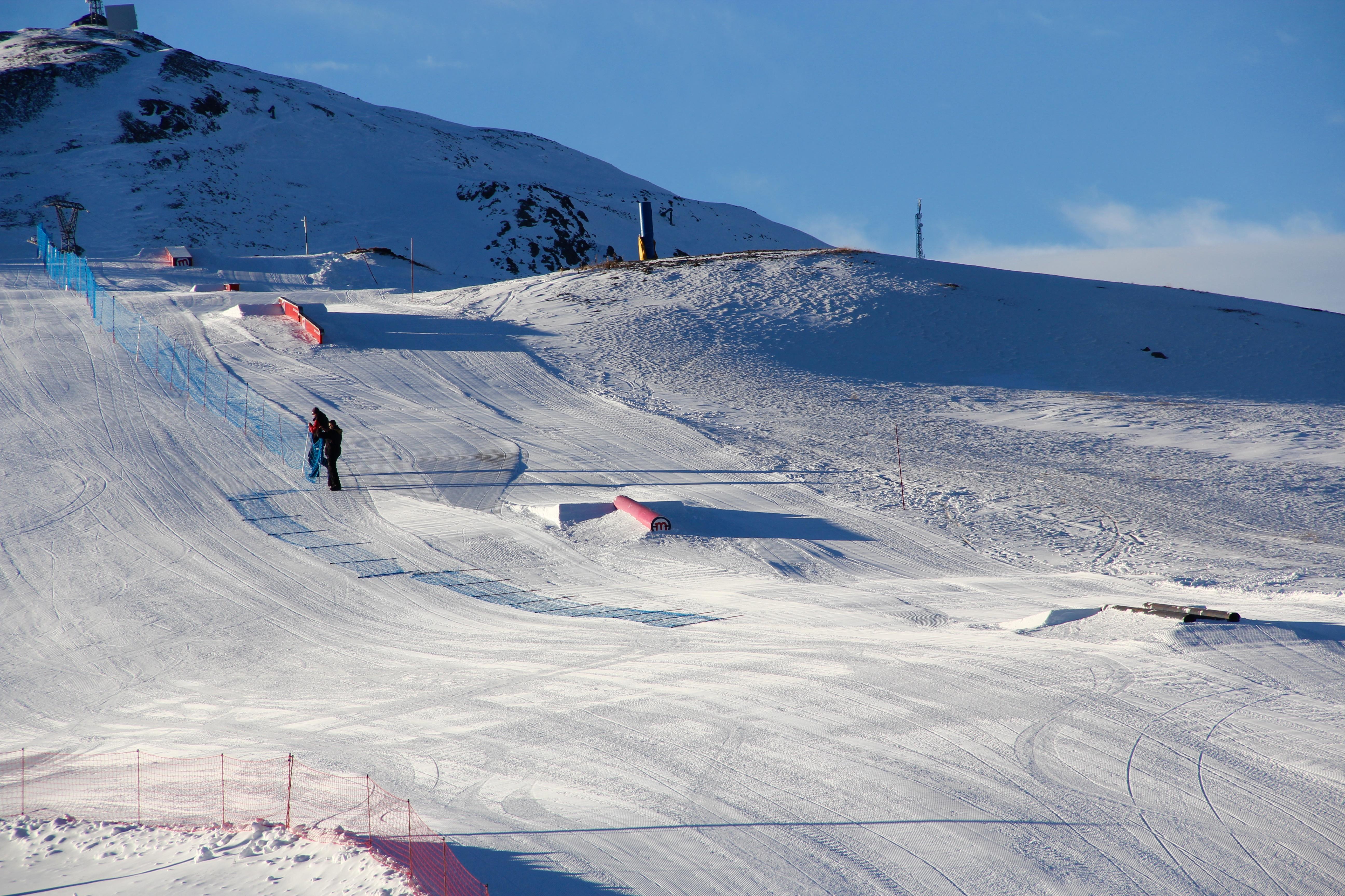 Snowpark a Livigno, aperti i primi impianti risalita