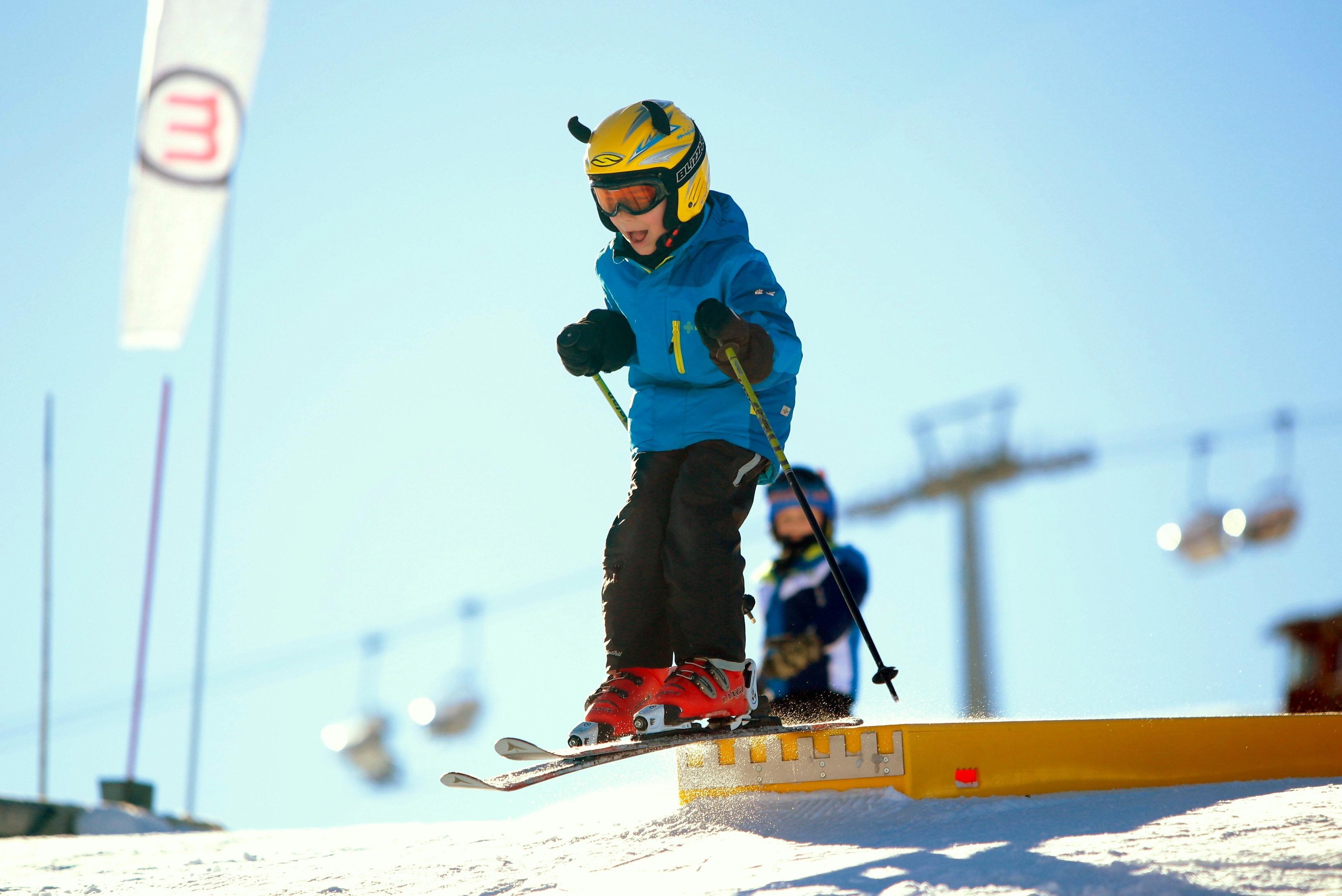 bambini sulla neve a Livigno