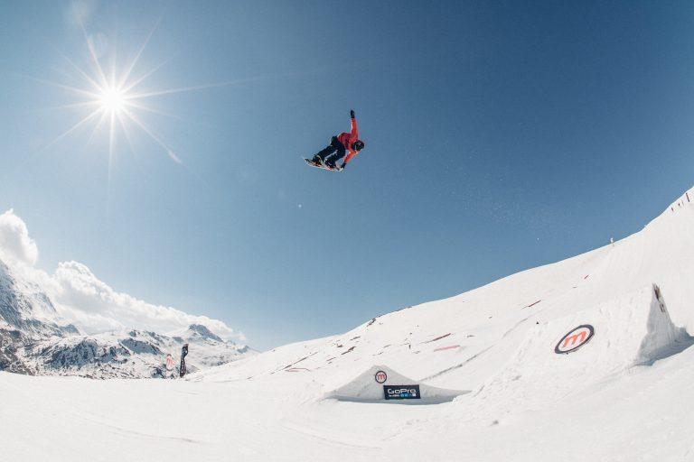 salti ed acrobazie dal Mottolino Snowpark