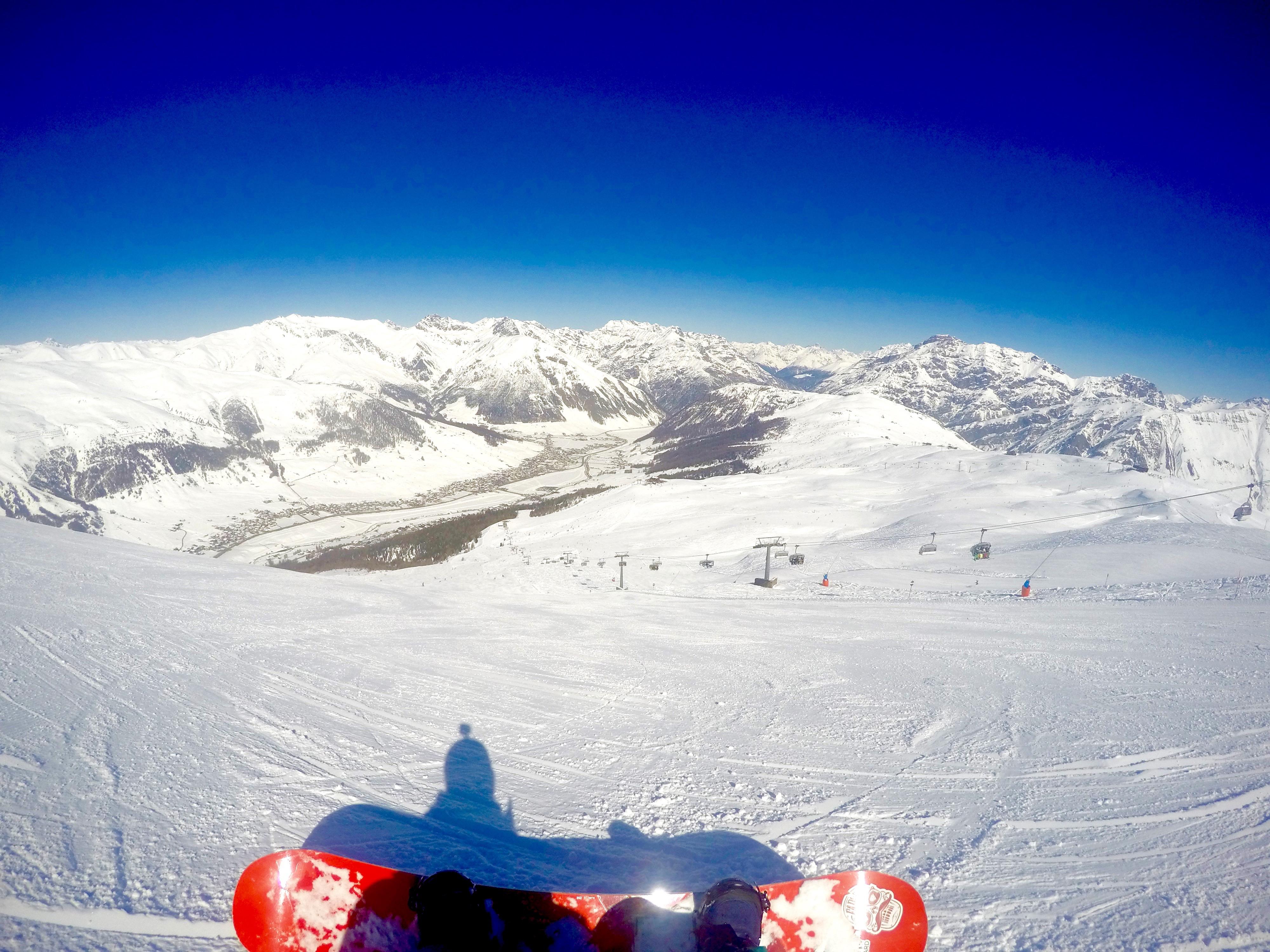 Snowboard in discesa dal Mottolino