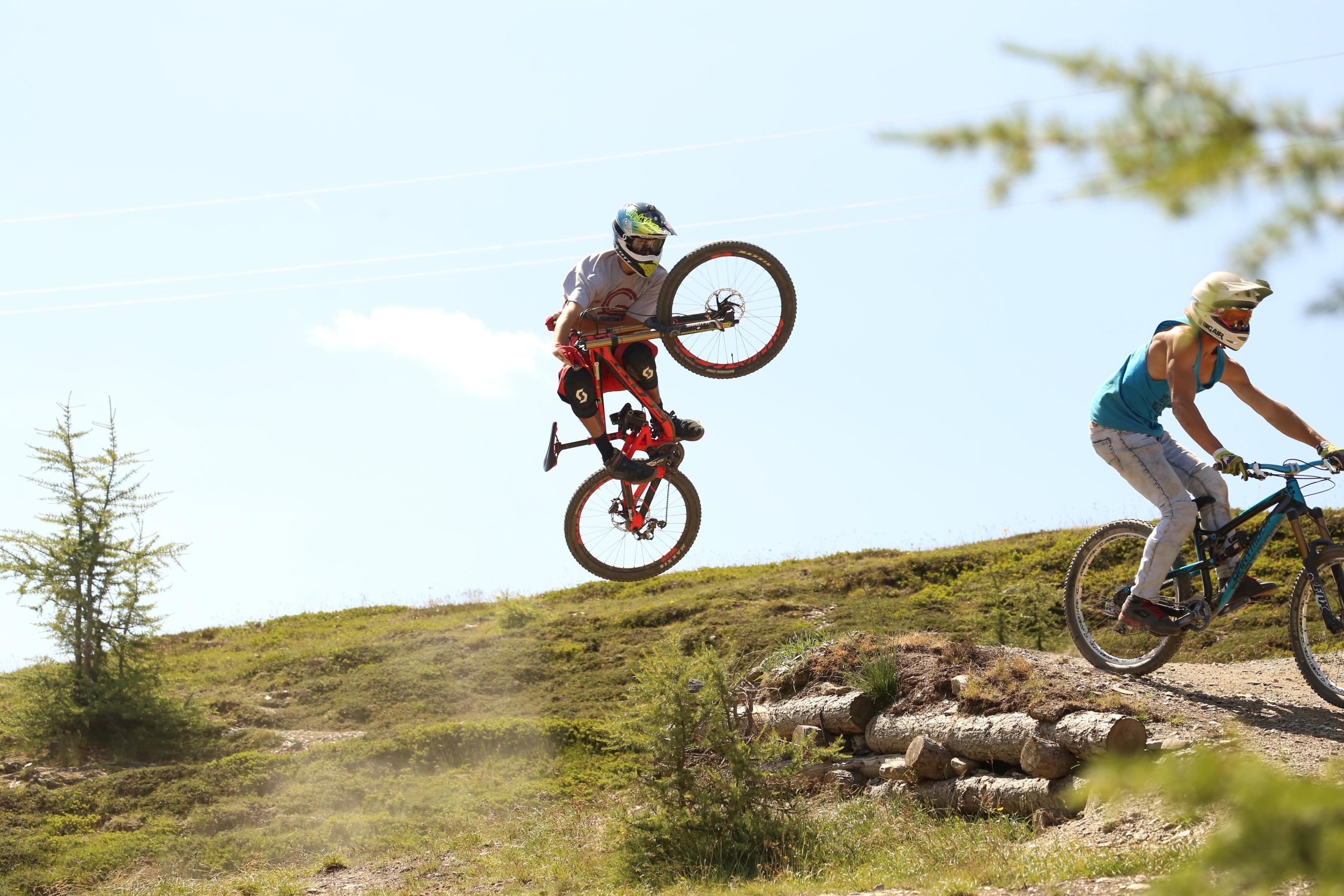 Rider durante weekend di apertura Bikepark