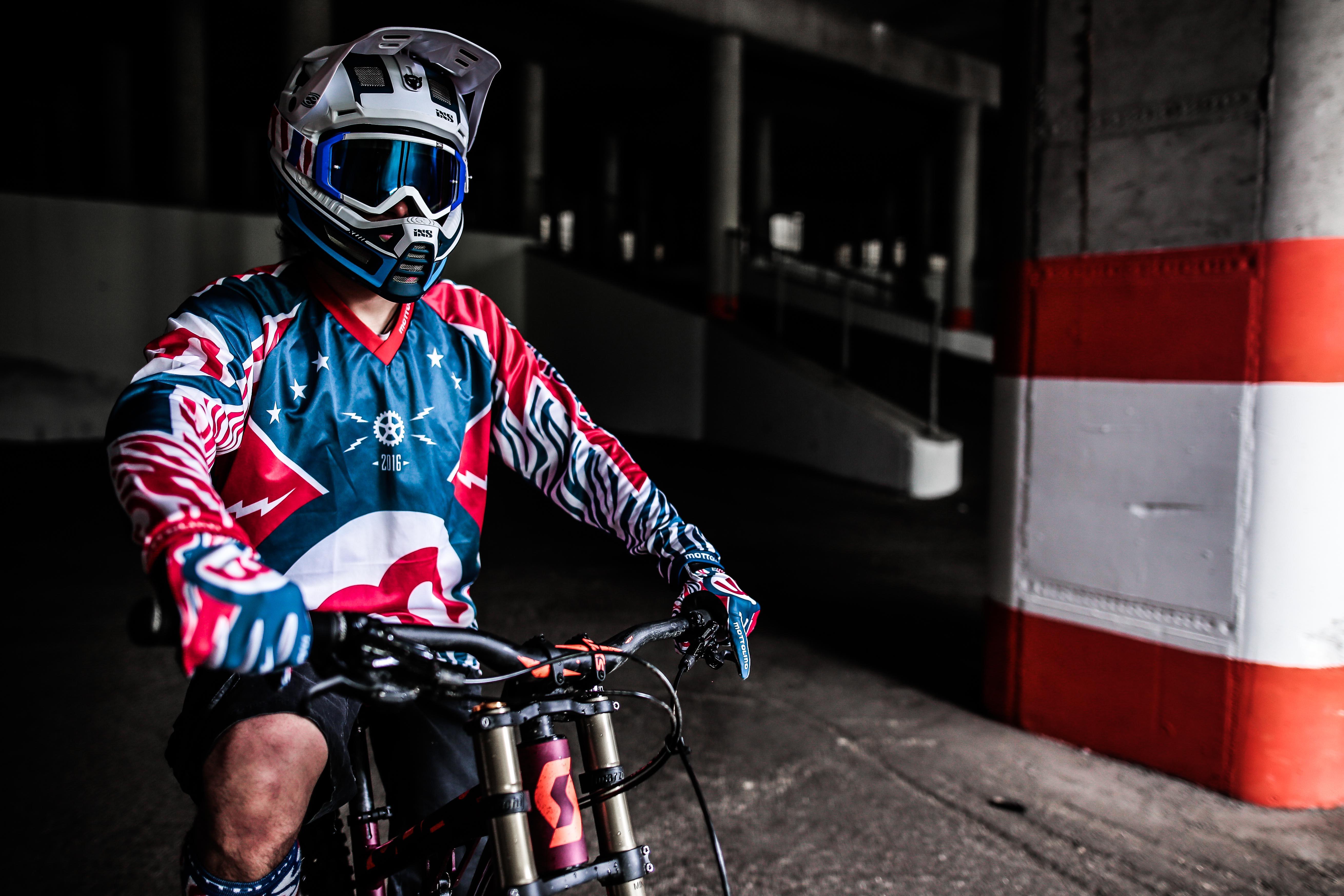 Abbigliamento estivo Mottolino per riders