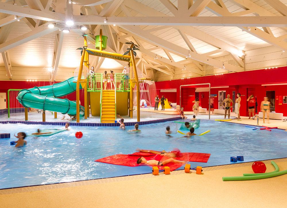 Aquagranda a Livigno con bambini divertiti