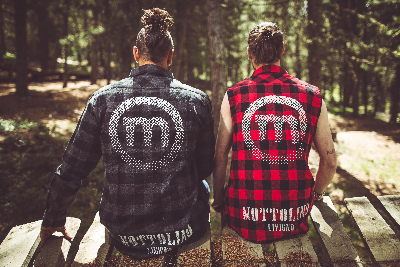 Abbigliamento Mottolino per amanti del downhill