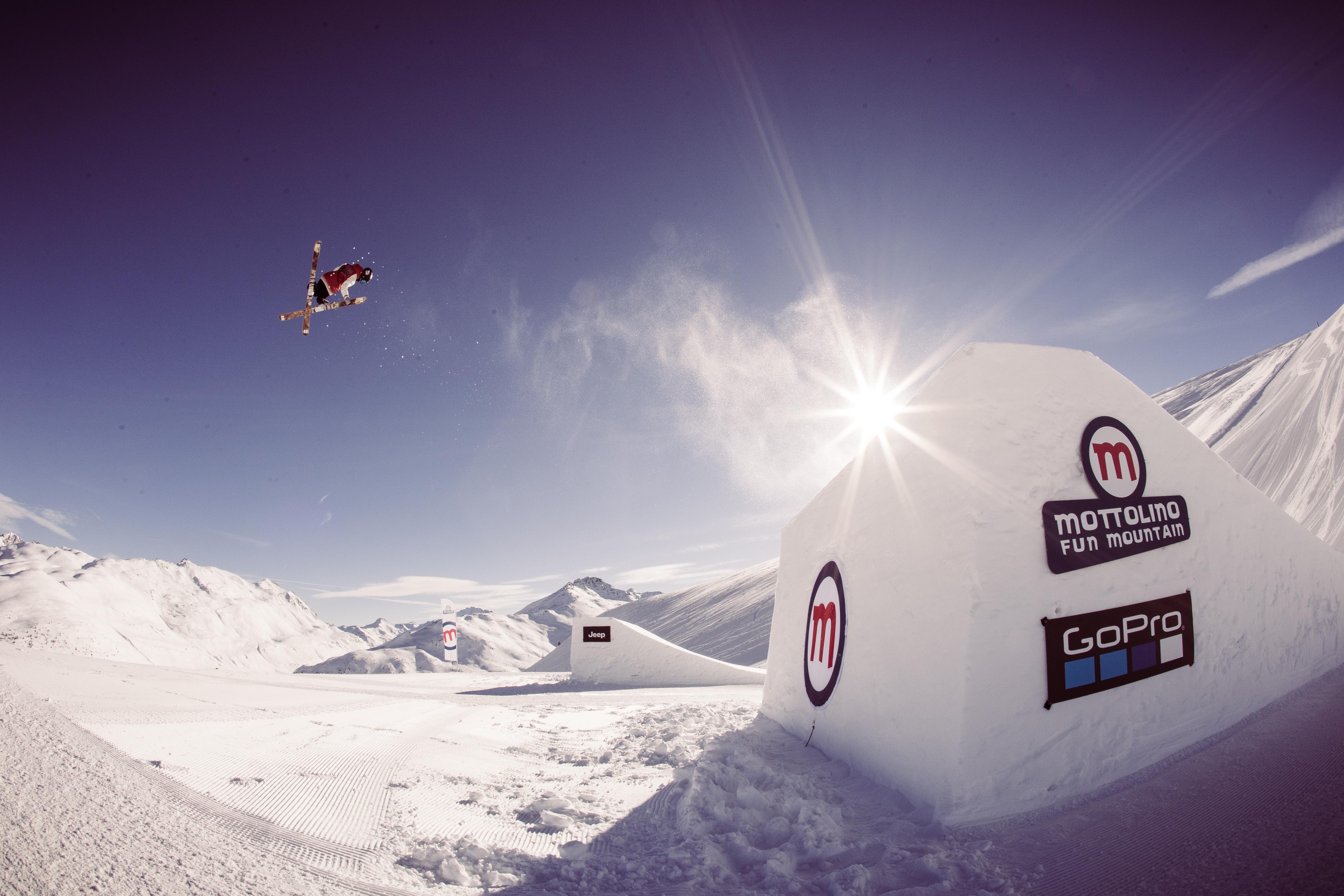 Evoluzioni freestyle allo snowpark Livigno