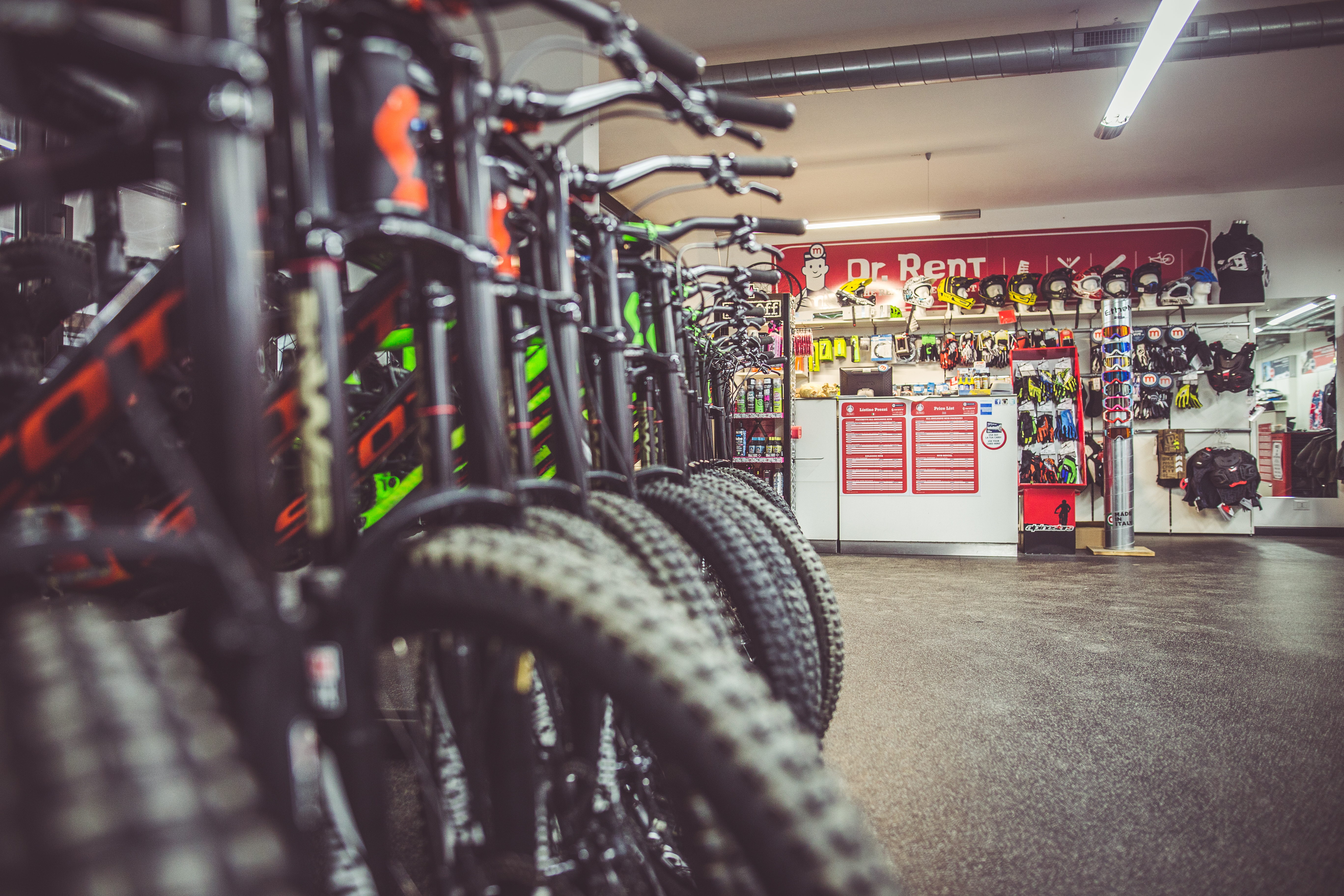 Dr.rent panoramica negozio per riders
