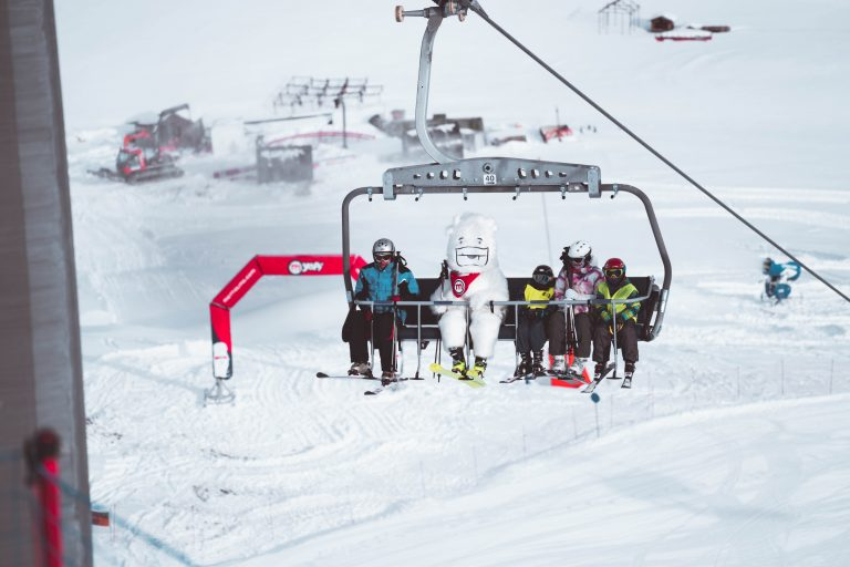 Salita con gli sci sul MOttolino