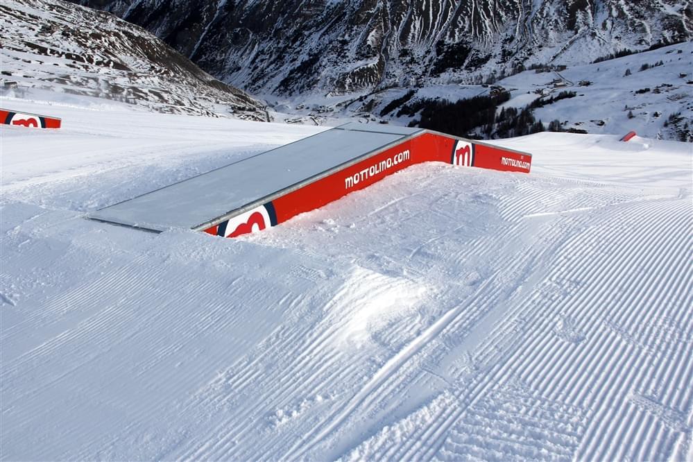 S line snowpark Livigno Mottolino