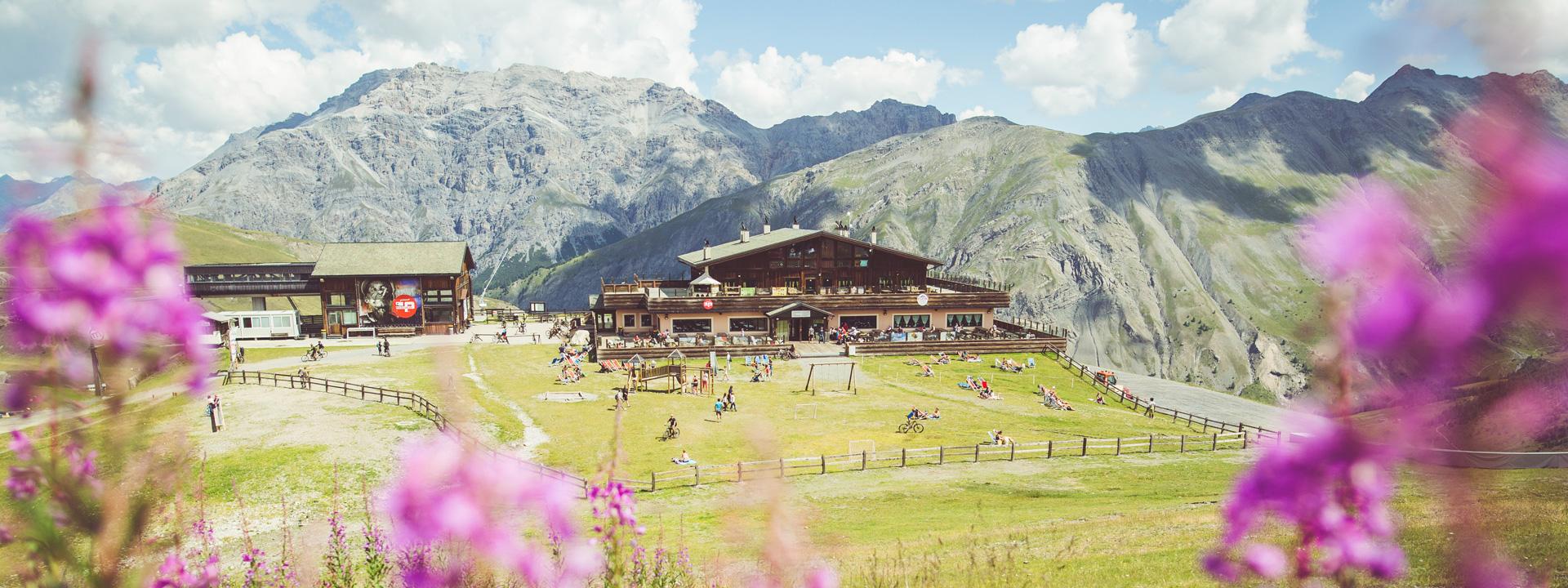 Panoramica del rifugio M'eating Point al Mottolino di Livigno