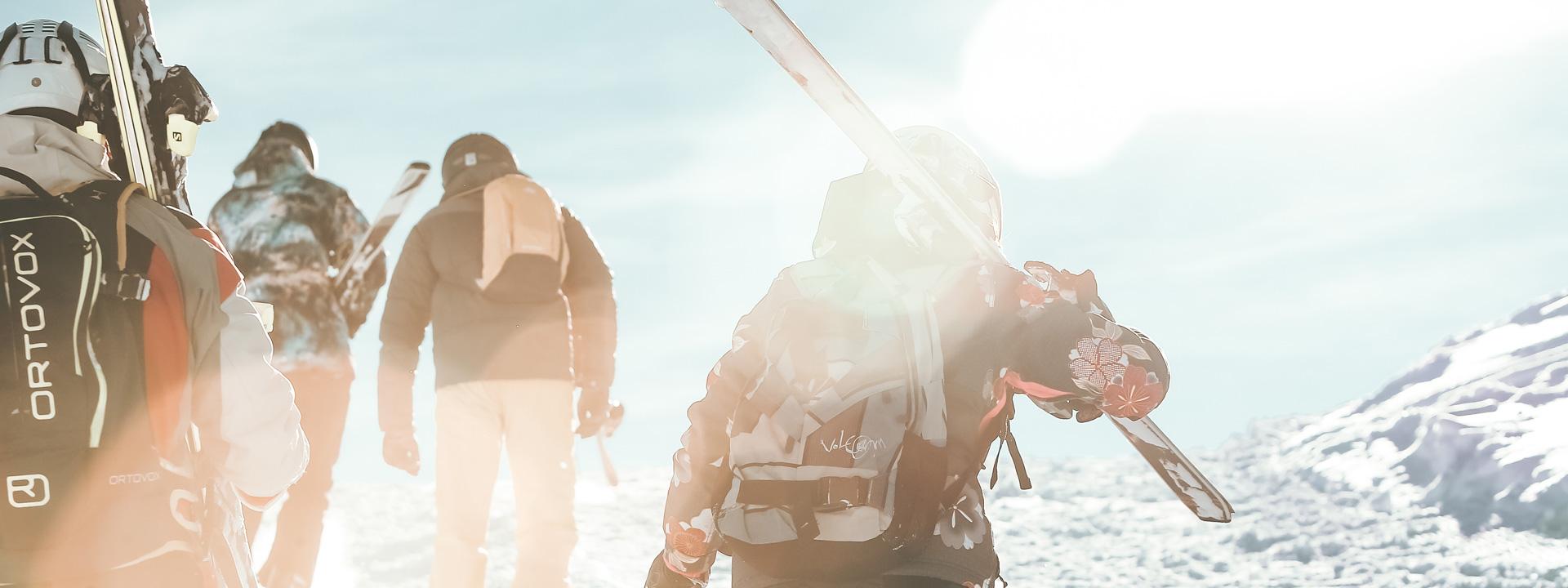 Sciatori sulla ski area Mottolino a Livigno
