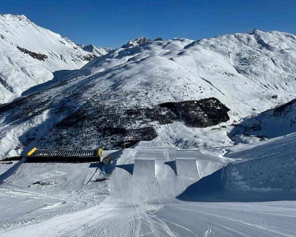 600x480_Snowpark_top