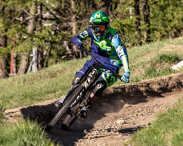 Biker su pista Mottolino Bikepark Livigno