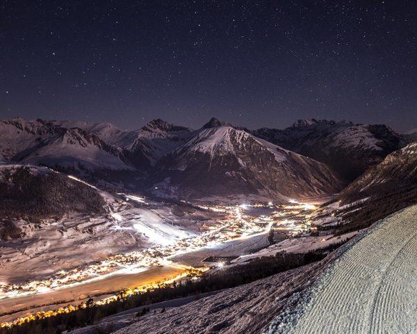 Panoramica notturna su Livigno dal Mottolino