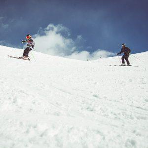 Famiglia sul Natural Pipe della ski area Mottolino a Livigno