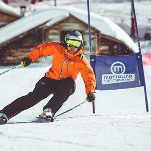 Skier al Self Timing della ski area Mottolino a Livigno
